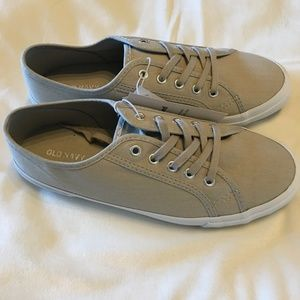 NWT Old Navy Canvas Sneakers for Women Size 8